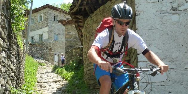 Geführte Mountainbike-Reise durch die Berge Zentral-Albaniens