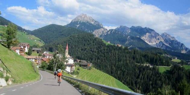 Rennradetappen in den Dolomiten