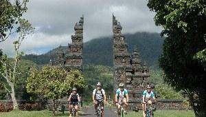Pressemitteilung Bali und Java Radreise