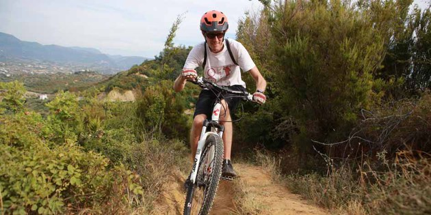 Biketeam MTB-Guide Tobi in Albanien